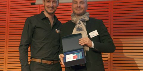 L'Onglerie obtient le prix du meilleur réseau de plus de 100 points de vente.
