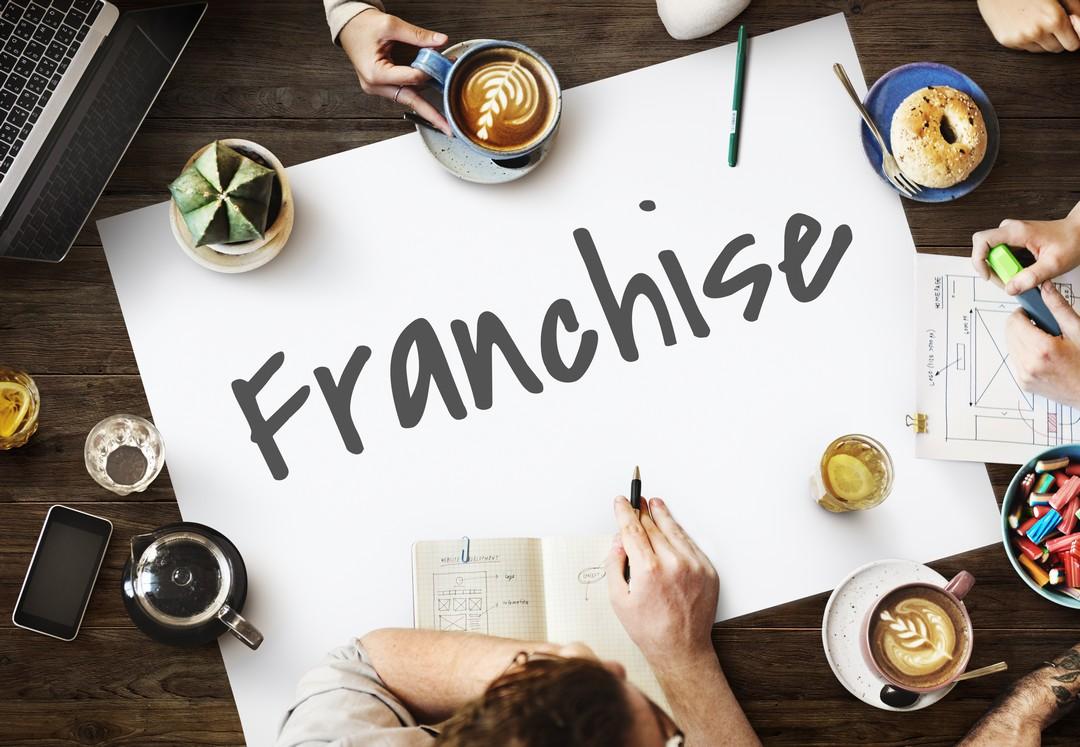 5 idées de commerces pour se lancer en franchise